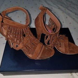 Beautiful shoes size 9